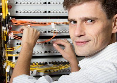 Câbleur de réseau de télécommunications (Câblage de réseaux structurés)
